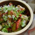 Młode ziemniaki,anchois,kwiaty i zioła.Sałatkowy bar. Hello lipiec!