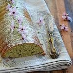Matcha i kwiaty. Zielone ciasto i wiśnie we włosach…