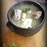 Szablok z kapustą kwaśną i pulpetami królewieckimi. Zupa na trzy blogi!