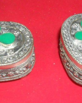 Antique Jewellery Box with green Stone