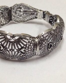 Antique Design Cuff-IN