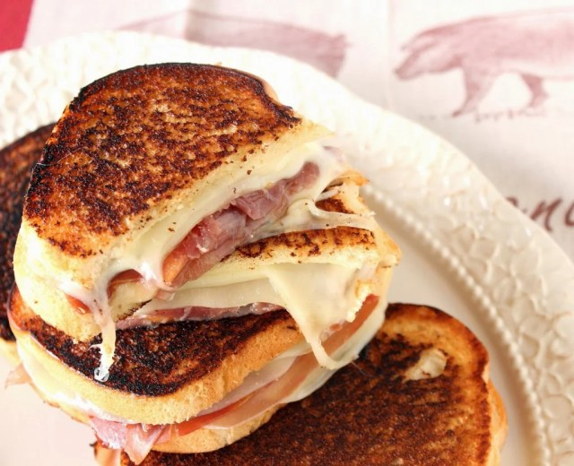 Prosciutto, Melon and Provolone Grilled Cheese Sandwich - kudoskitchenbyrenee.com