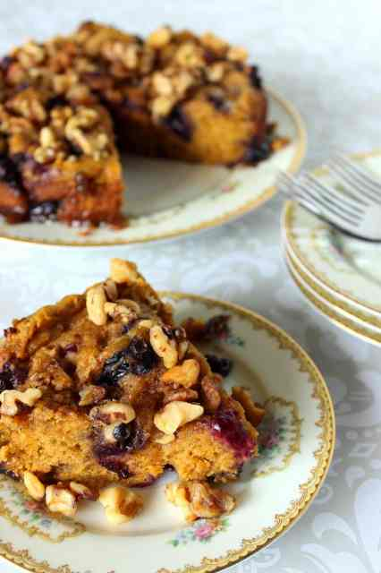This is a delicious pumpkin and blueberry cake that cooks in the slow cooker and then topped with chopped walnuts.