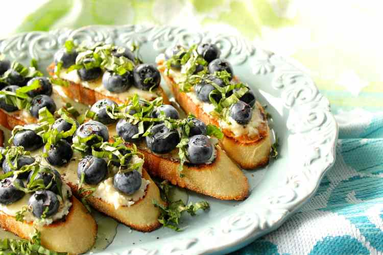 Bruschetta with Blueberries and Goat Cheese