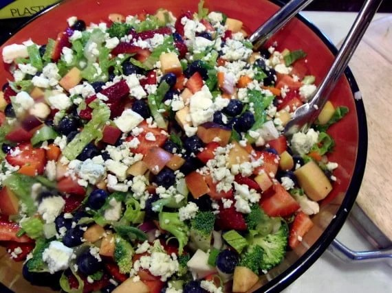 Chopped Salad with Fruits and Veggies