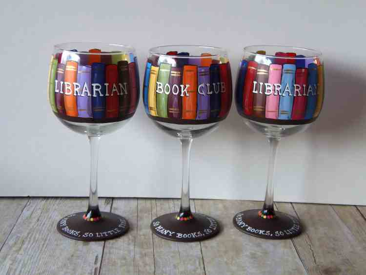 Book Lovers Wine Glasses