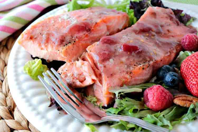 Easy and impressive. 4 Ingredient Jammin Salmon is a real crowd pleaser! - www.kudoskitchenbyrenee.com