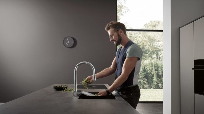 SatinFlow, laminar jet and effervescent spray: in no time at all, you can switch between the individual modes with the Select key. (Photo: hansgrohe)