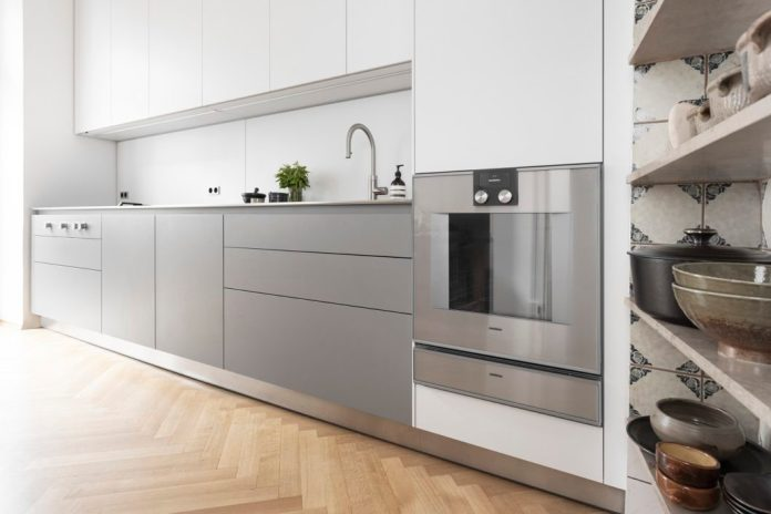 More and more device manufacturers rely on well-known brand ambassadors who give their devices a high-quality face. For example, Tohru Nakamura cooks in this kitchen. (Photo: Gaggenau)