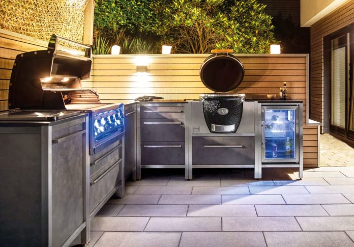 As a one-liner, in an L-shape, on rolls or permanently installed: the modular system of the outdoor kitchens from BURNOUT allows a wide variety of combinations. Photo BURNOUT)
