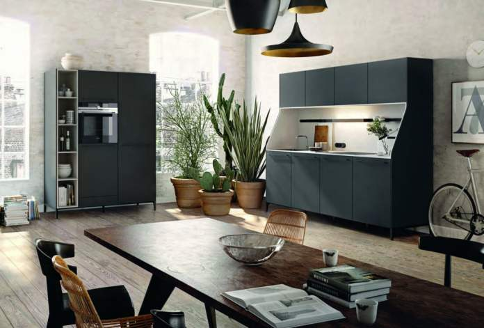 Can be flexibly expanded if the living situation changes: cupboards in different widths, optionally open or closed, give storage space and space for further electrical appliances. (Photo: SieMatic)