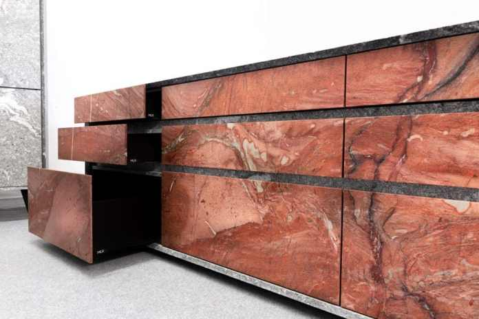 Blood-red natural stone from Brazil dominates the n'Stee Granat cooking block.  (Photo: MCR)
