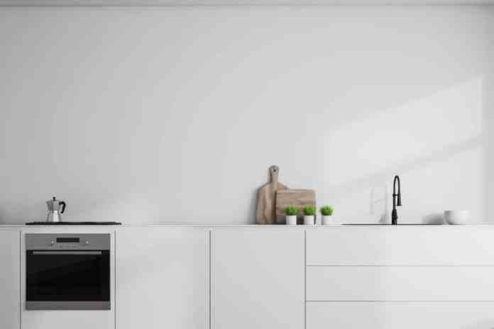 The aim of the KonMari method in the kitchen: to create free space.  (Photo: Adobe Stock / denisismagilov)