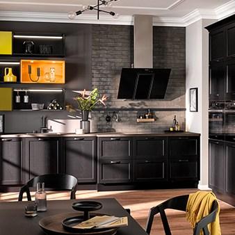 schwarze landhaus küche häcker