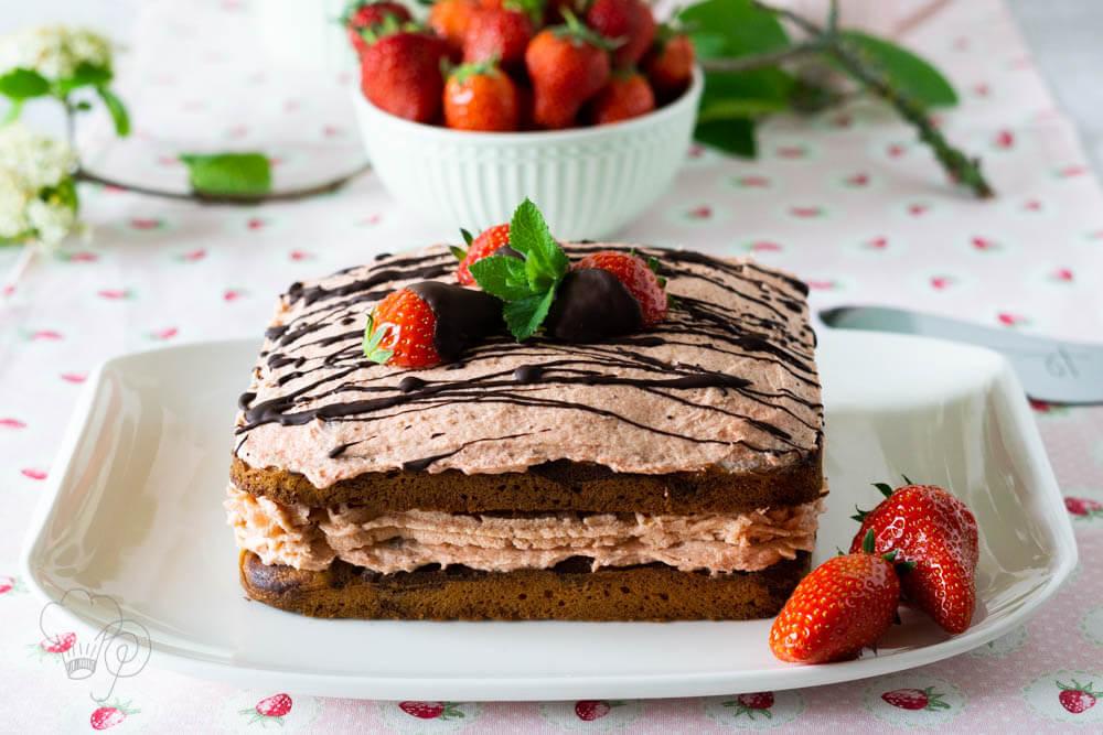 Erdbeerzeit – Erdbeer-Rhabarber-Torte