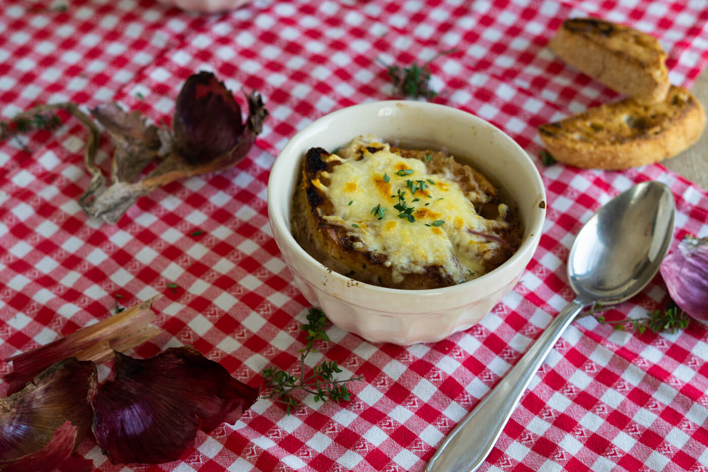 Zwiebelsuppe nach französischem Rezept