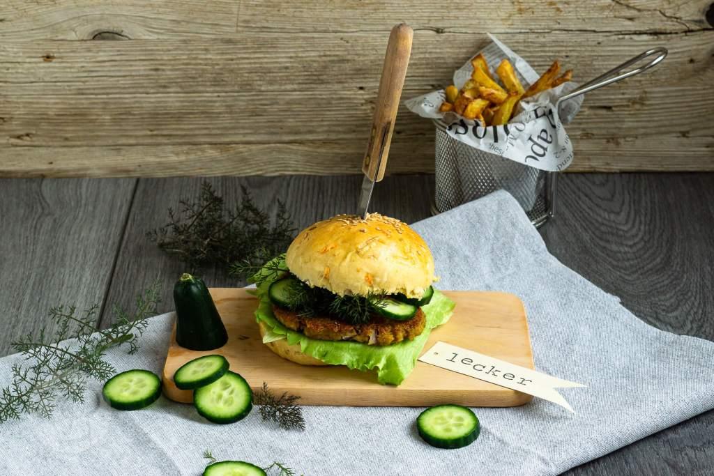 Grünkern Burger mit Frühlingsbuns