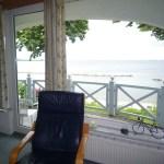 Freie Sicht auf die offene Ostsee - vom Wohnbereich wie vom Balkon Ihrer Ferienwohnung aus.