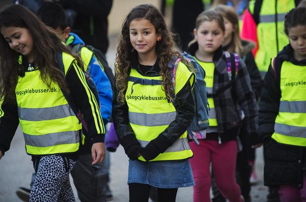 Gåbus elver følger yngre elver i skole