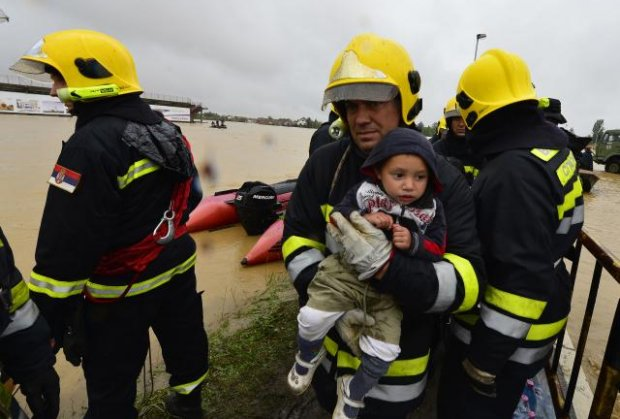 obrenovac-poplave-evakuacija-foto-tanjug-1400311633-498317