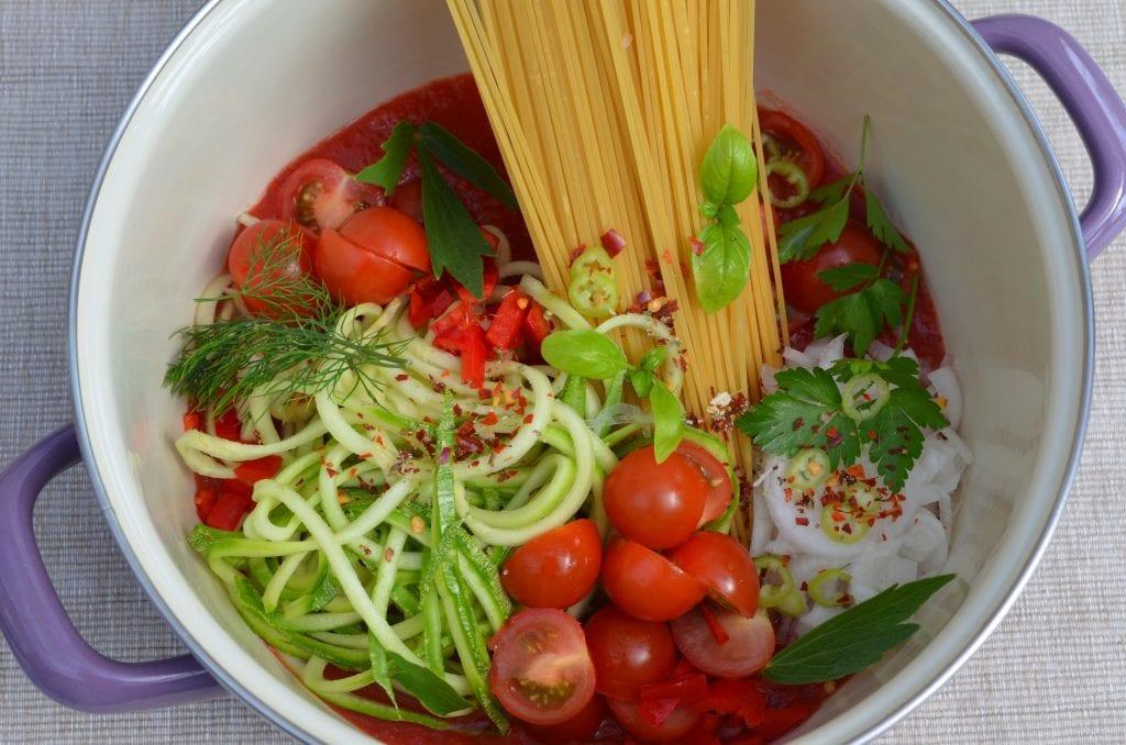 Ponedjeljak bez mesa: One pot špagete – najbrži recept za jelo s tjesteninom