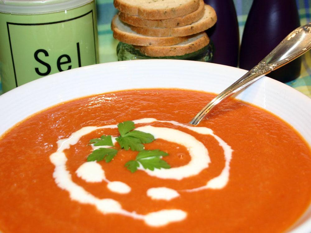 Soupe à la tomate légère