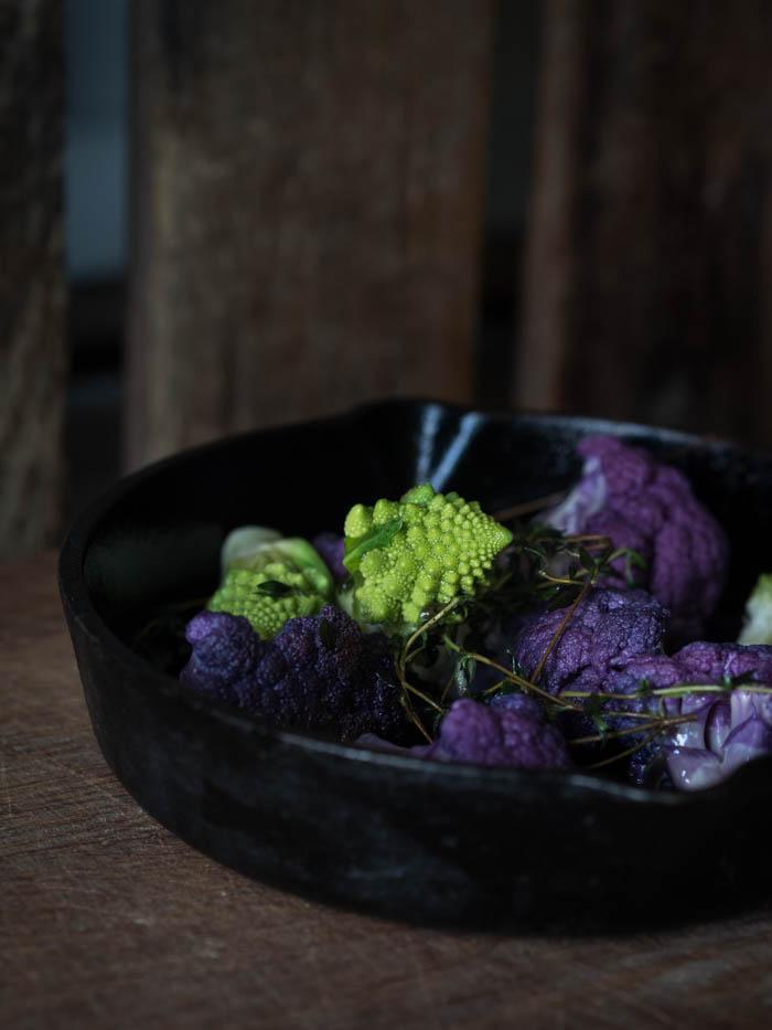 kvinoa-kukkakaalisalaatti