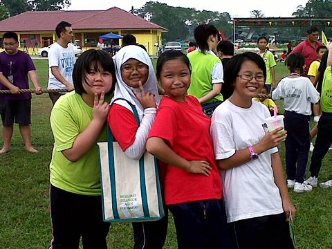 pelajar sekolah cina