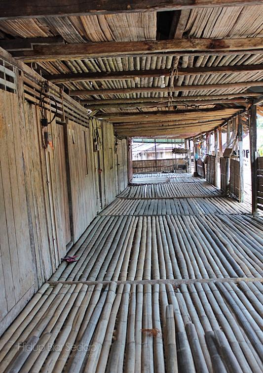 gambar rumah panjang sarawak