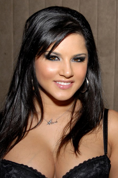 """Porn Star Sunny Leonne In """"Murder 3"""" In 2013- Will She Steal The Limelight?"""