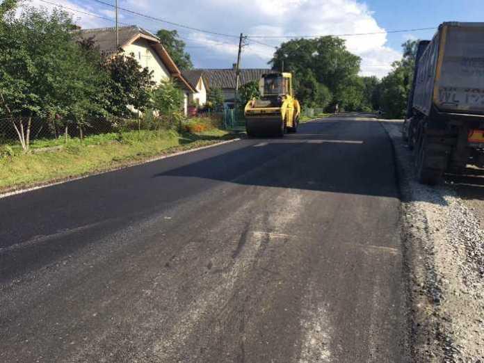 На Самбірщині закінчили ремонт дороги