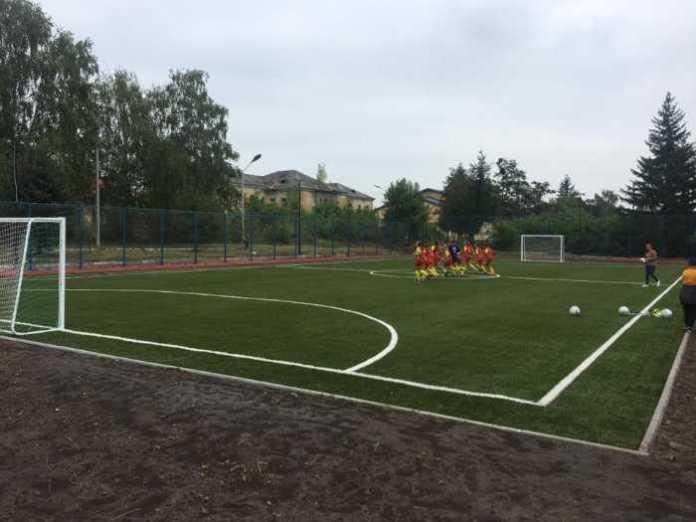 У Жовкві відкрили мультифункціональний спортивний майданчик