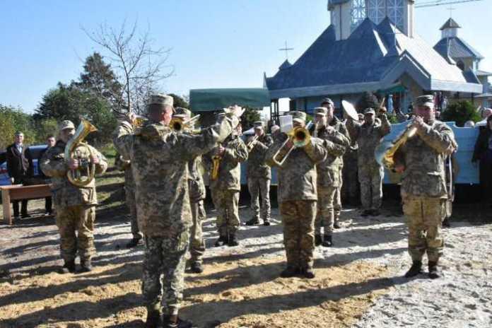 На Яворівщині відкрили меморіал пам'яті воїнам 24-ї Королівської бригади. Фото прес-служба ЛОДА