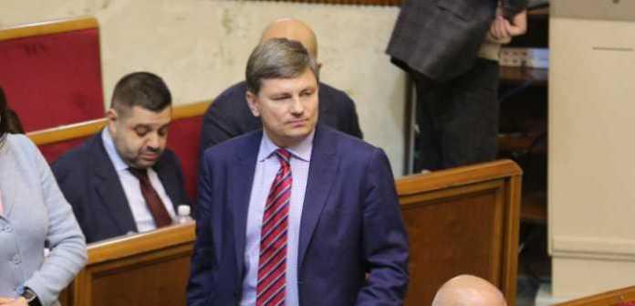 Якби Юлія Тимошенко не торгувала національними інтересами, адресну допомогу людям живими грошима можна було б почати ще 10 років тому – Герасимов