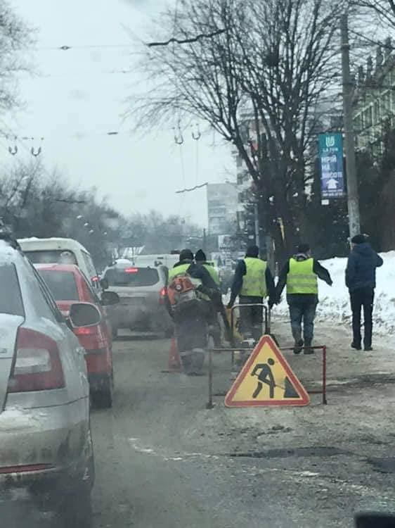 Ямковий ремонт на вулиці Зеленій у Львові. Фото ГО Зручне місто
