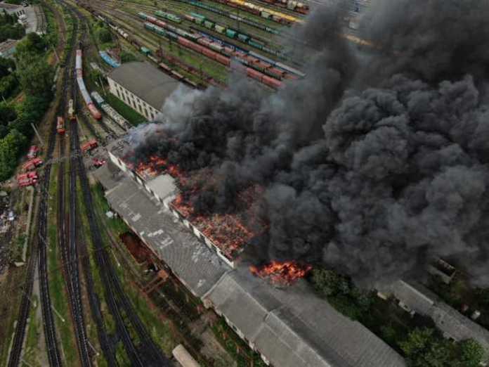 З'явилися нові масштабні фото пожежі на львівському вокзалі. Фото Варта-1