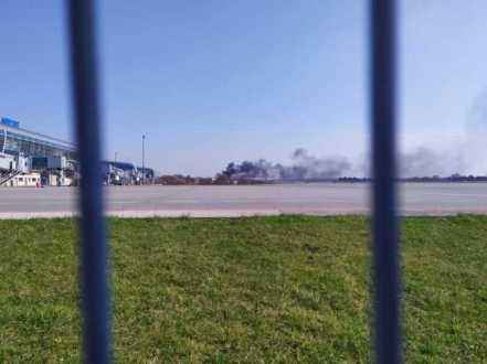 У Львові поблизу аеропорту горять смітники, фото Варта-1