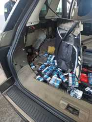 На кордоні з Польщею Range Rover перевозив 729 пачок сигарет