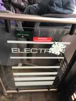 Контролери «Львівелектротрансу» запобігли незаконному розповсюдженню реклами наркотичних речовин у тролейбусі, фото прес-служби підприємства