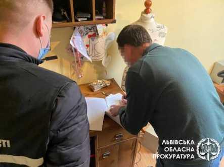 2 млн грн за невідремонтовані дороги: на Львівщині підозрюють директора господарського товариства