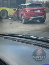 У Львові маршрутка не розминулась із іномаркою