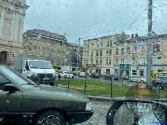 У Львові перекрито рух на Городоцькій, фото Варта-1