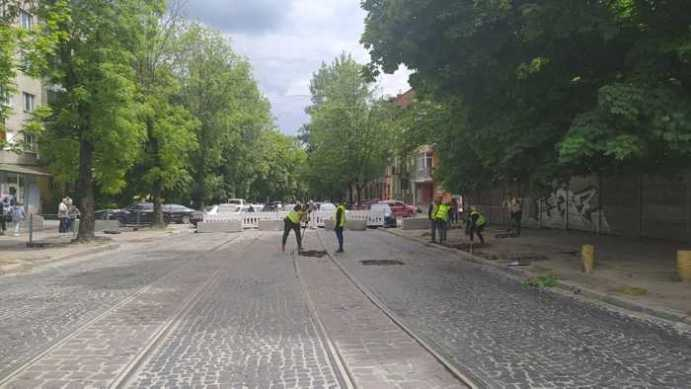 У Львові на вулиці Шевченка буде смуга для руху громадського транспорту