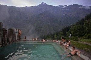 manali-hot-water-bath