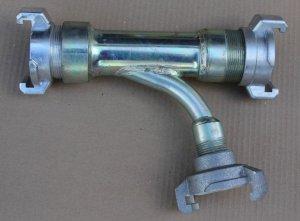 Ejektori, johon letkut voi liittää kynsiliittimillä tai muilla kierreliittimillä.