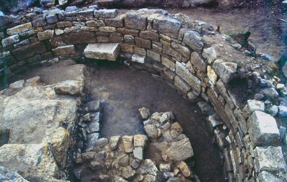 grob na Ariostotel