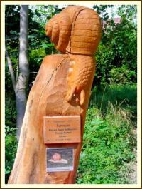 1 von 50 Holzskulpturen