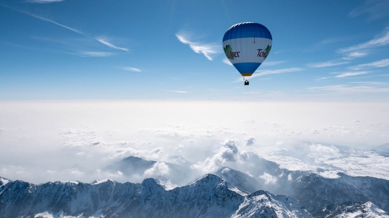Mit dem Heißluftballon über die Alpen