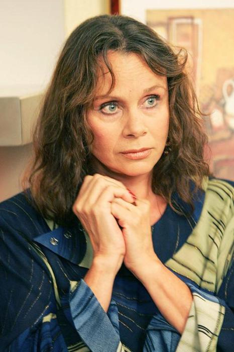 Более 90 ролей в кинематографе сыграла заслуженная артистка. | Фото: oneoflady.com.