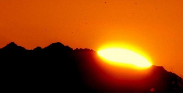 В городе Юма, штат Аризона, США солнце светит по 11 часов в сутки, а безоблачная погода стоит практически весь год.